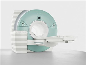 В чём разница между низкопольными и высокопольными томографами?