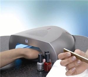 Ультрафиолетовая лампа для ногтей